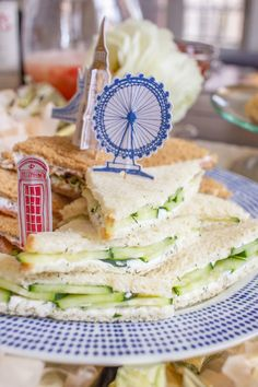 Tea sandwiches are so charmingly British. Only the Brits could find a way to make a sandwich so dainty and cute. Since tea sandwiches are an essential part of Afternoon Tea and British cuisine, I Cucumber Tea Sandwiches, Bridal Shower Menu, Sandwich Recipes, Sandwich Ideas, How To Make Sandwich, Tea Recipes, Party Recipes, Brunch Recipes, Cooking Recipes