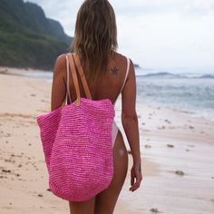 MOOSSHOP:+Straw+Beach+Bags,+Beach+Totes+and+Pom+Pom+Clutches