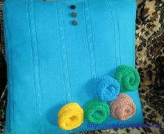 подушка из старого свитера