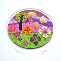 gorgeous embroidery with felt applique Felt Embroidery, Felt Applique, Applique Patterns, Applique Ideas, Embroidery Hoops, Fabric Crafts, Sewing Crafts, Felt Gifts, Felt Brooch