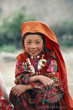 Afghanistan - Kirghiz Girl In Traditional Dress ©Eye Ubiquitous We Are The World, People Around The World, Beautiful Children, Beautiful People, Ethnic Dress, Folk Costume, Costumes, Central Asia, World Cultures