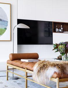 Living Room in the Barangaroo Home by Anna-Carin Design Dream Home Design, House Design, Living Room Decor, Living Spaces, Living Rooms, Farmhouse Side Table, Cute Dorm Rooms, Australian Homes, Eclectic Decor