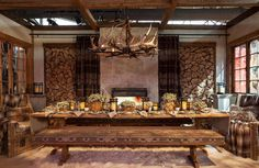 How To Set The Table Like Ralph Lauren - Alpine Lodge- TownandCountrymag. Rustic Wood Furniture, Cabin Furniture, Western Furniture, Furniture Design, Alpine Lodge, Rustic Cabin Decor, Rustic Cabins, Log Cabins, Western Decor
