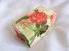 cutie lemn decorata cu servetel si pictata - Lucruri de Mana