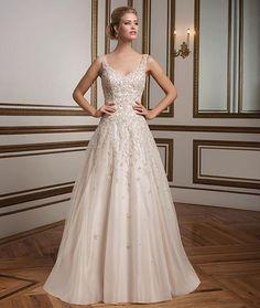 Lindo!!! ❣ #wedding #weddingdress #vestidodenoiva #bride #bridestyle #noiva #noivas #casamento #celebrate #sonho #luxo #inspiração