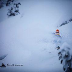 @scottmartin_org getting #faceshots early season at @monasheepowder  @stevedfoto #catskiing #catskiingcanada #snowboarding #snowboard
