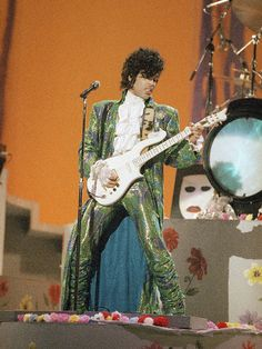 """forevervanity: """" Prince at the American Music Awards, Jan. 28, 1985. """""""