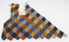The vest at the same point, opened up. Colour Inspiration, Plaid Scarf, Knit Crochet, Crochet Patterns, Vest, Knitting, Color, Fashion, Scrappy Quilts
