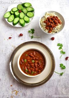 recipe without onions or garlics - A sattvic rajma recipe. Authentic and traditional rajma recipe for jains, vegans and vegetarians. Aloo Sabzi Recipe, Rajma Masala Recipe, Vegetarian Curry, Vegetarian Recipes, Kidney Bean Curry, Kidney Beans, Recipe Without Onion, Indian Food Recipes, Ethnic Recipes
