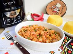 Varza cu sos de ardei copt la slow cooker Crock-Pot L Slow Cooker Spaghetti, Slow Cooker Pasta, Spaghetti And Meatballs, Marinara Sauce, Pasta Recipes, Macaroni And Cheese, Catering, Crockpot, Stuffed Peppers