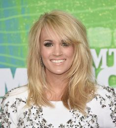 carrie underwood at cmt awards | Last night Carrie Underwood showed up on the CMT Awards red carpet ...