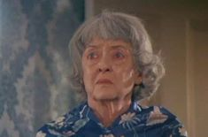 Bette Davis in Burnt Offerings Robert Aldrich, Burnt Offerings, Shelley Winters, Karen Black, Bette Davis Eyes, Psychological Horror, Horror Makeup, Olivia De Havilland, Tennessee Williams