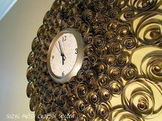DIY clock using toilet paper rolls. This looks easy enough, and it will give me a new project to work towards so that I can use up all my extra toilet paper and paper towel rolls I've saved. Toilet Paper Roll Art, Rolled Paper Art, Metal Walls, Metal Wall Art, How To Make Wall Clock, Diy Clock, Clock Ideas, Clock Wall, Old Clocks