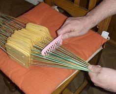 telar de tablillas, o de cartones. tablet weaving