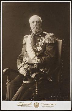 Kingdom Of Sweden, Family World, Swedish Royalty, Portraits, Norway, Victoria, Descendants, People, Photos