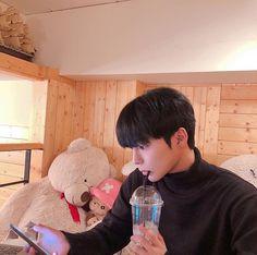 Boyfriend Pictures, Boyfriend Goals, Future Boyfriend, Ulzzang Boy, Asian Boys, Boyfriend Material, Cute Boys, Couple Goals, Korean