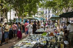 Looking for the best flea market selling tips? Read these do's and don'ts for flea market vendors.