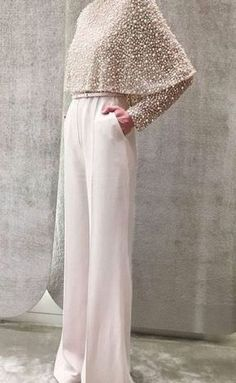 Elie Saab- mother of the bride look. Elie Saab- mother of the bride look. Muslim Fashion, Modest Fashion, Hijab Fashion, Fashion Dresses, Fashion Pants, Mode Abaya, Bride Look, Mode Inspiration, Wedding Inspiration