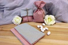 Πουγκί Υφασμάτινο BBB-458-4.2  Πουγκί με 2 όψεις απο ύφασμα ψάθα ροζ και μέντα. Δημιουργήστε εύκολα και γρήγορα μια μπομπονιέρα όπως εσείς την έχετε σκεφτεί. Συνδυάστε με μια μεγάλη ποικιλία χρωμάτων και υλικών, κορδέλες, κορδόνια, δαντέλες και ξύλινα ή μεταλλικά διακοσμητικά στοιχεία (μοτίφ) και αφήστε τη φαντασία να σας οδηγήσει.Διαστάσεις: 11x19cm Continental Wallet, Fashion, Moda, Fashion Styles, Fashion Illustrations, Fashion Models