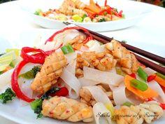 Tajskie kalmary w z ryzowym makaronem