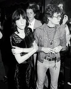 Patti Smith andRobert Mapplethorpe photographed at the 82 Club inNew York onMay 10, 1974.
