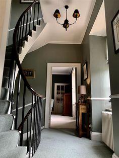 Farrow & Ball Inspiration - pigeon for hallway Hall Paint Colors, Hall Colour, Room Colors, Farrow Ball, Hallway Colour Schemes, Hallway Colours, Hallway Paint, Hallway Flooring, Edwardian Hallway