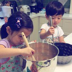umumu Cute Asian Babies, Korean Babies, Asian Kids, Cute Babies, Twin Baby Boys, Twin Babies, Baby Kids, Baby Pictures, Baby Photos