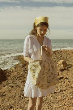 Totebag Lemons, Small Affaire by Verónica Algaba – styled – … – Summer Fashion Rock Style, Style Me, Simple Style, Mode Outfits, Fashion Outfits, Womens Fashion, Dress Fashion, Chica Cool, Teen Style