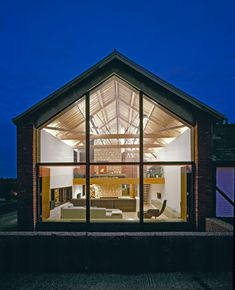 What makes a successful barn conversion? We explain the principles of barn conversion design including advice on doors and windows, insulating walls and creating a good layout Contemporary Barn, Modern Barn, Modern Farmhouse, Farmhouse Style, Residential Architecture, Modern Architecture, Architecture Company, Architects London, Converted Barn