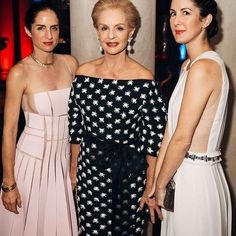 #CarolinaHerrera and daughters celebrate @frickcollection #youngfellowsball @patricialansing @colioptera