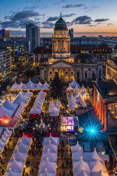 ღღ Berlin Gendarmenmarkt Weihnachtsmarkt (Winter or Christmas Market) by Jean Claude Castor on 500px