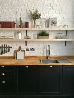Our Beau new kitchen http://claphamstudiohire.com/