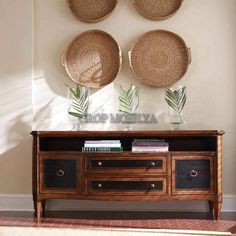 Vintage mobilyalar klasik çizgiler taşıyan modeller olarak günümüzde meraklıları tarafından ilgi görmektedir.