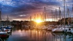 Coucher de soleil sur le port de Gruissan Photo d'Isa