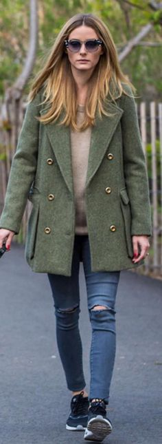 ❤❤ Olive green peacoat with a camel sweater, skinny jeans, black tennies - Olivia Palermo