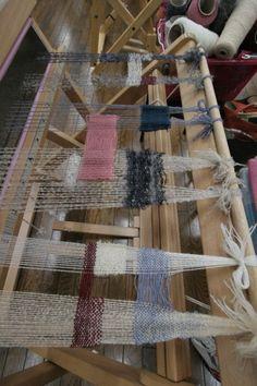 100001 Weaving Art, Tapestry Weaving, Loom Weaving, Hand Weaving, Weaving Designs, Weaving Patterns, Yarn Bombing, Weaving Techniques, Rug Hooking