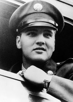 Elvis boards a train for Friedberg, Germany, October 1, 1958.