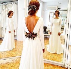 Simple wedding gown with plunging back, minimalist gown News 2019 - Wedding Invitations Trends 2019 - wedding dress wedding dress lace wedding decor wedding dress wedding dresses Minimalist Gown, Minimalist Dresses, Simple Wedding Gown Minimalist, Simple Wedding Gowns, Elegant Wedding, Dress Wedding, Bridal Looks, Bridal Style, Lace Weddings