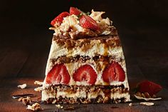 Strawberry tiramisu with a hidden fruity twist! This dessert is one you… Just Desserts, Delicious Desserts, Dessert Recipes, Yummy Food, Xmas Recipes, Strawberry Tiramisu, Strawberry Recipes, Mousse, Tiramisu Recipe