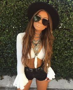 Music festival outfit boho coachella street styles 64 Ideas for 2019 Coachella Festival, Music Festival Outfits, Rave Festival, Festival Wear, Summer Festival Outfits, Coachella 2018, Boho Festival Fashion, Festival Clothing, Black Festival Outfit
