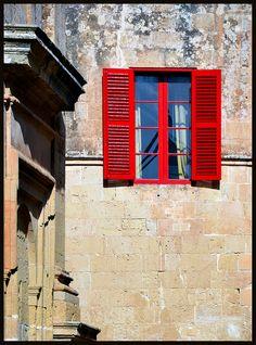 Mdina, Malta Cursos de Idioma Inglés en Malta CAUX InterCultural  Desde 2 semanas. Programas de 20, 25 y 30 lecciones semanales. Para más información escribenos a intercultural@cauxig.com