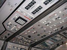 Star Trek Prop, Costume & Auction Authority: Star Trek: Enterprise - Set Photos - Shuttle Pod One