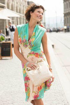 Patr?n gratis: vestido de verano y bolso de polipiel (Bernina)