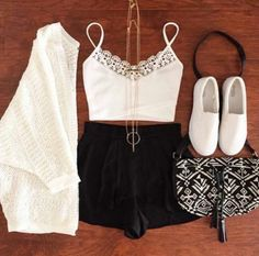 Imagen vía We Heart It #bugs #clothes #fashion #girls #jewellery #outfits #shoes #style