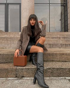 - Tailored Jacket made with premium classic Harris Tweed and modern peaked lapel. Fashion 2020, Look Fashion, Fashion Outfits, Fashion Trends, Ny Fashion, Petite Fashion, Fashion Fall, Fashion Bloggers, Curvy Fashion