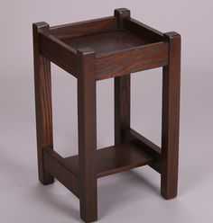 Early L&JG Stickley Onondaga period chestnut plant stand c1902-1904.  Unsigned. 22″h x 13.25″sq