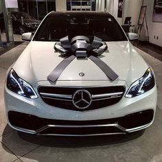 I am in love with Mercedes Benz automobiles. Ever since I used to be little I all the time had an eye fixed for Mercedes, I believe they're so luxurious. I am hoping sooner or later I can reward myself with a automobile like this. Bmw, Audi, Fancy Cars, Cool Cars, Lamborghini, Dream Cars, Mercedes Benz G, Mercedes Wheels, Mercedes 4matic