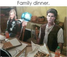Thor: Give me your pizza, mortal. Gale: No. I hunted this pizza all day. Hunger Games Humor, Hunger Games Catching Fire, Hunger Games Trilogy, Chris Hemsworth Thor, Katniss Everdeen, I Love To Laugh, Mockingjay, Laughing So Hard, Tv