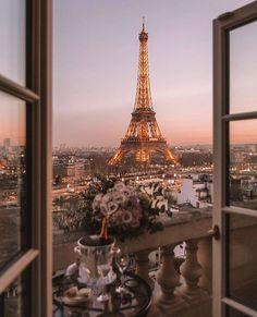 Paris is actually the most beautiful at dusk - view of the Eiffel . - Paris is actually the most beautiful at dusk – view of the Eiffel …, - Photo Wall Collage, Picture Wall, Picture Ideas, Images Murales, Beautiful Places, Beautiful Pictures, Romantic Pictures, Pretty Photos, Beautiful Beautiful