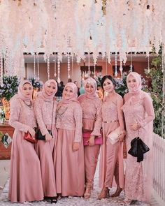 Hijab Dress Party, Hijab Style Dress, Party Gowns, Dress Outfits, Kebaya Modern Dress, Kebaya Dress, Hijabi Gowns, Wedding Hijab Styles, Muslimah Wedding Dress